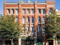 The Met Hotel - New Westminster (BC) - Canada Hotels